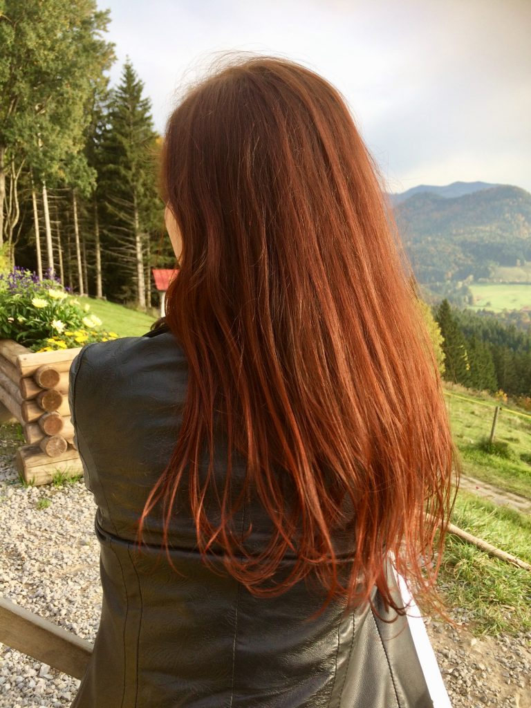 Henna-Farbe im Sonnenlicht